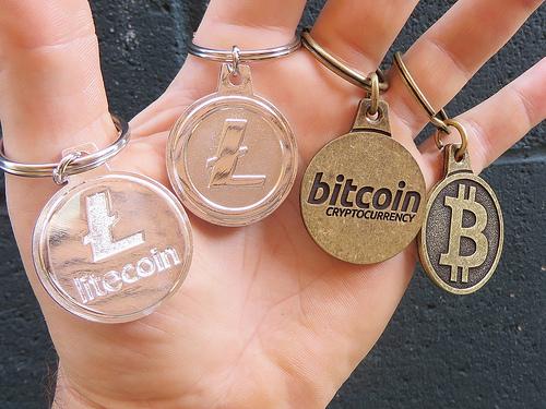 サラリーマンがビットコイン長者の夢物語を今から追うなら、その他の仮想通貨に目を向けるべきである