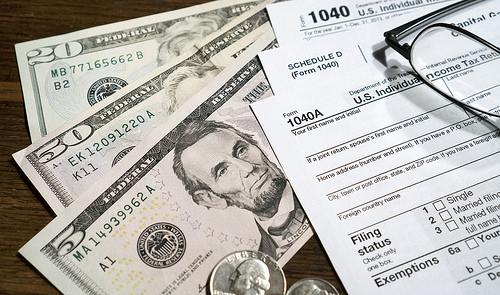 サラリーマンの副収入でも、確定申告は税理士にお願いすべき理由