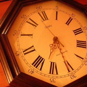 サラリーマンの副業は、時間を売るのではなく「仕組みを作る」ことが重要